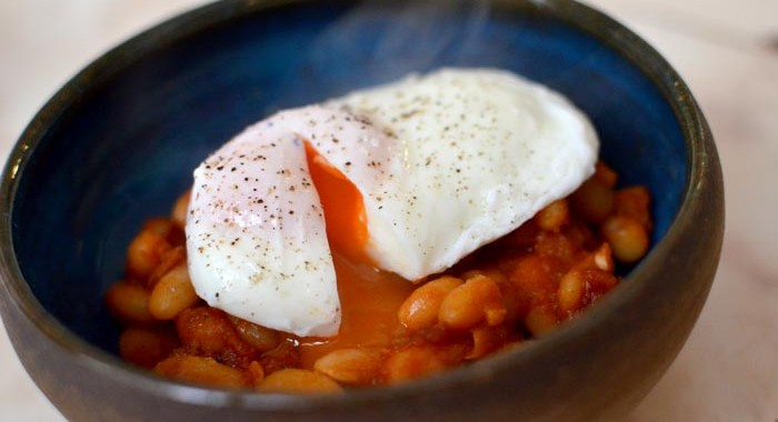 Homistro healthy tasty breakfast baked beans