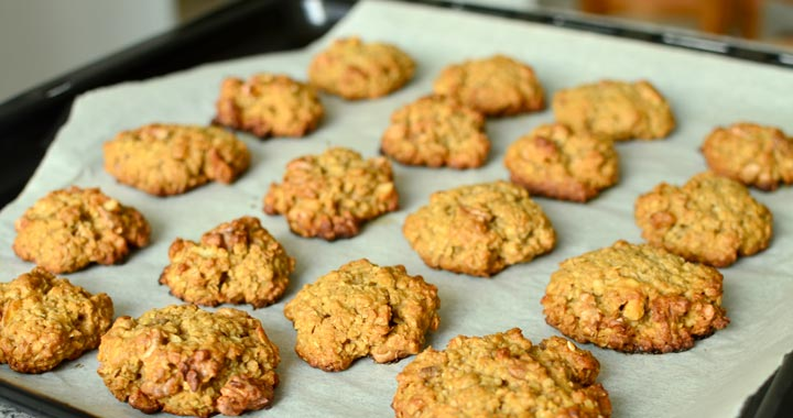 Honey oatmeal cookies recipe featured image